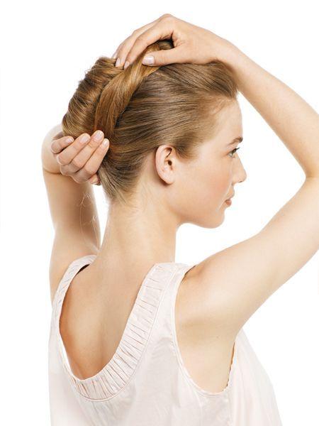 Як виконати зачіску
