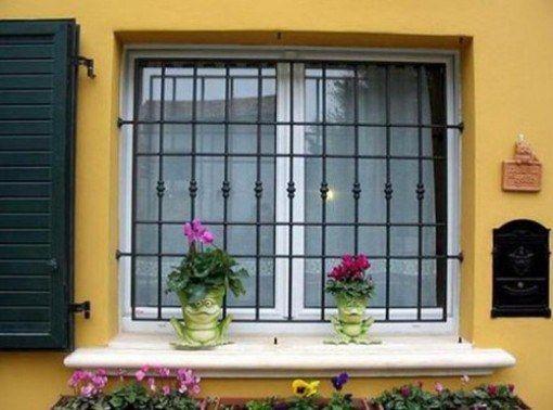 Металеві грати на вікна: ковані або зварні?