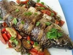 Риба на подушці з овочів